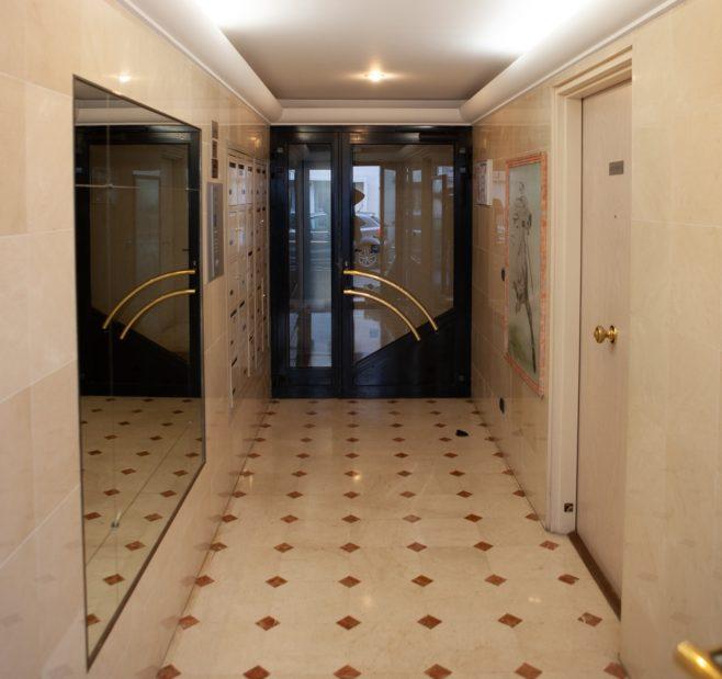 agence immo maisons-alfort: 33 m², résidence récente avec digicode et ascenseur