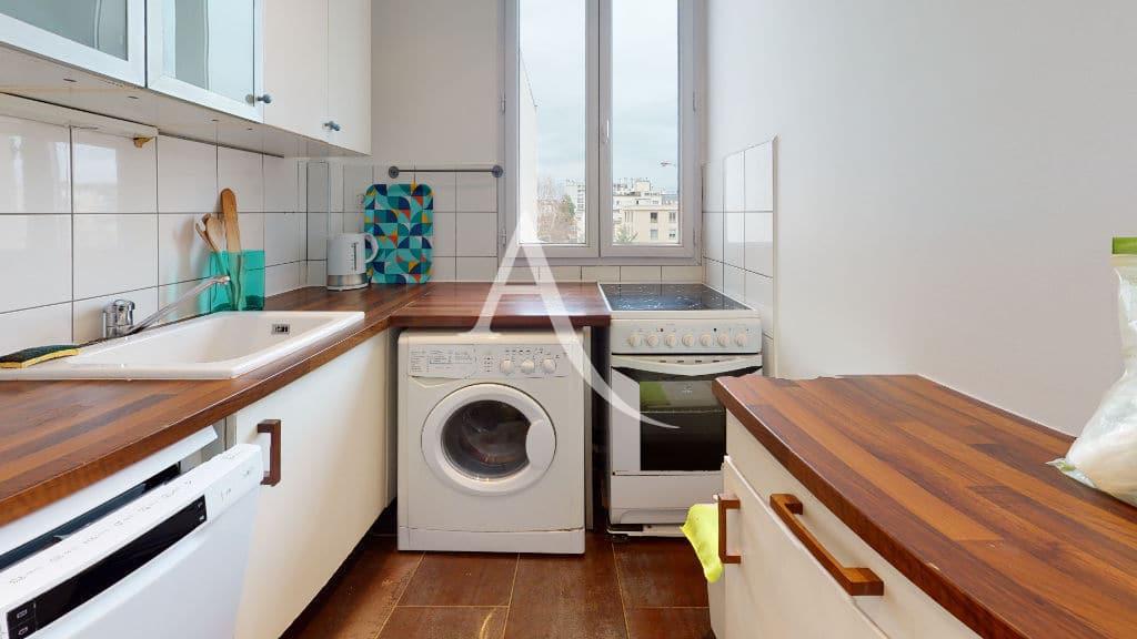 appartement à louer charenton: 2 pièces, cuisine équipée: lave vaisselle, plaques, hotte