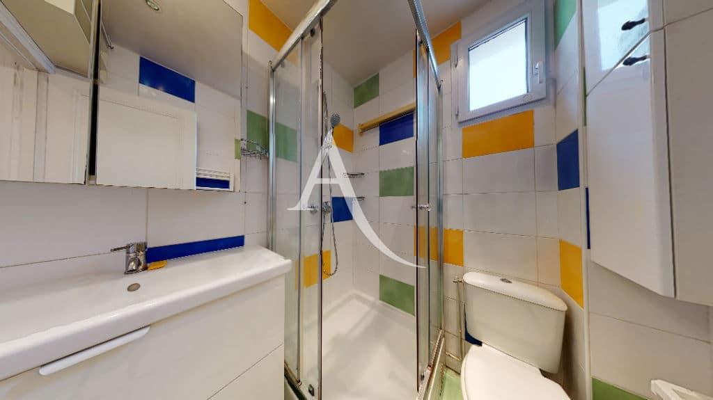 location appartement charenton 94: 2 pièces, salle d'eau avec douche et wc, parfait état