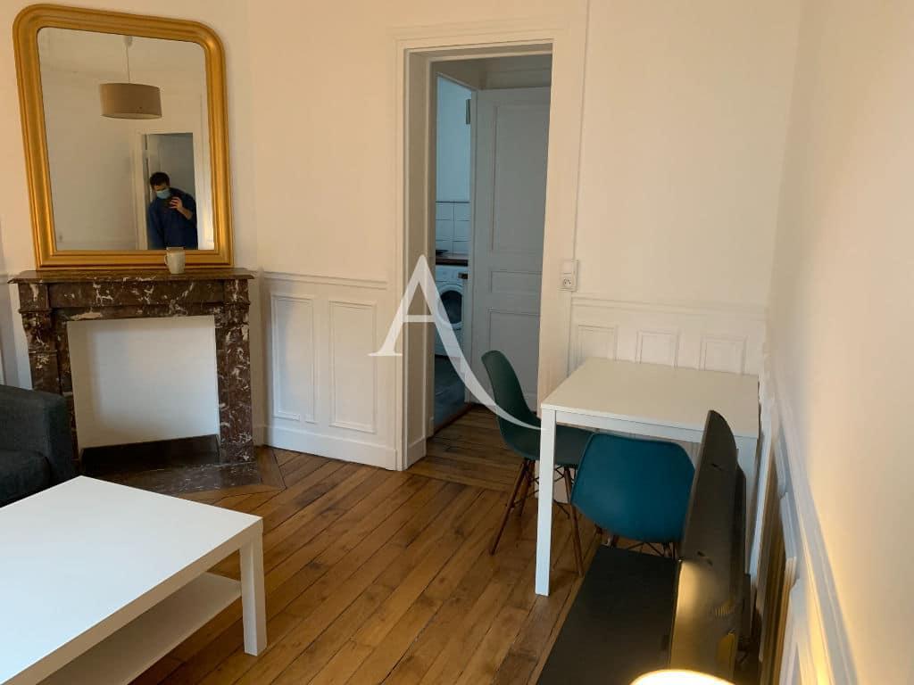 louer appartement à charenton le pont: 2 pièces, séjour, cheminée en marbre décorative