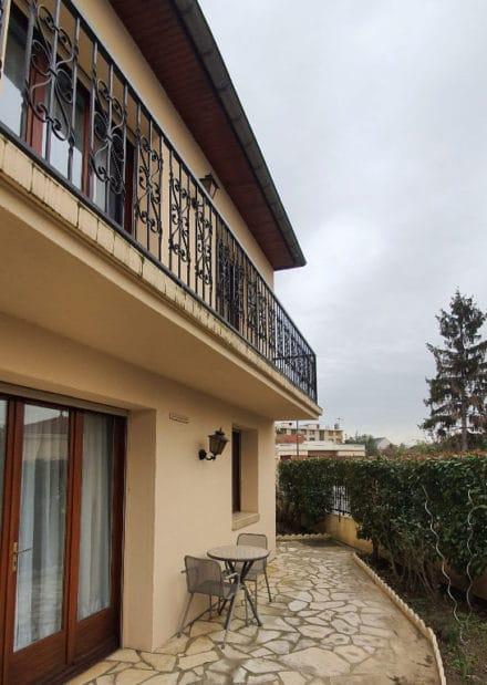 l adresse immobilier: maison 5 pièces 141 m², aperçu terrasse et jardin