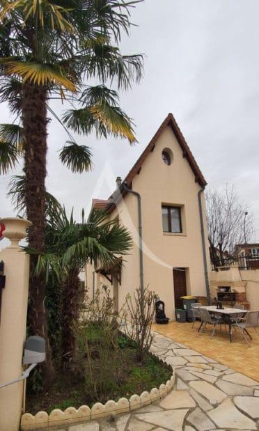 liste agence immobilière 94: maison 5 pièces 141 m², proche toutes commodités avec jardin et garage
