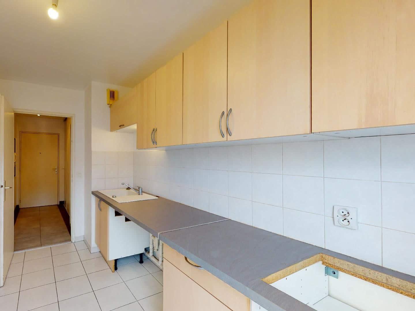 appartement alfortville location: 2 pièces 46 m², cuisine en longueur avec nombreux rangements