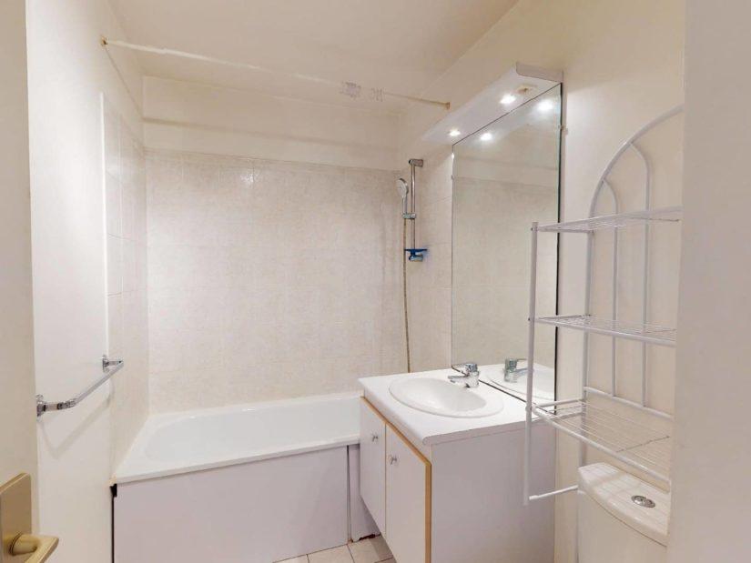 alfortville appartement location: 2 pièces 46 m², salle d'eau avec douche et wc