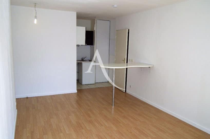 vente appartement 2 pieces alfortville: 2 pièces 39 m², séjour parqueté avec coin cuisine
