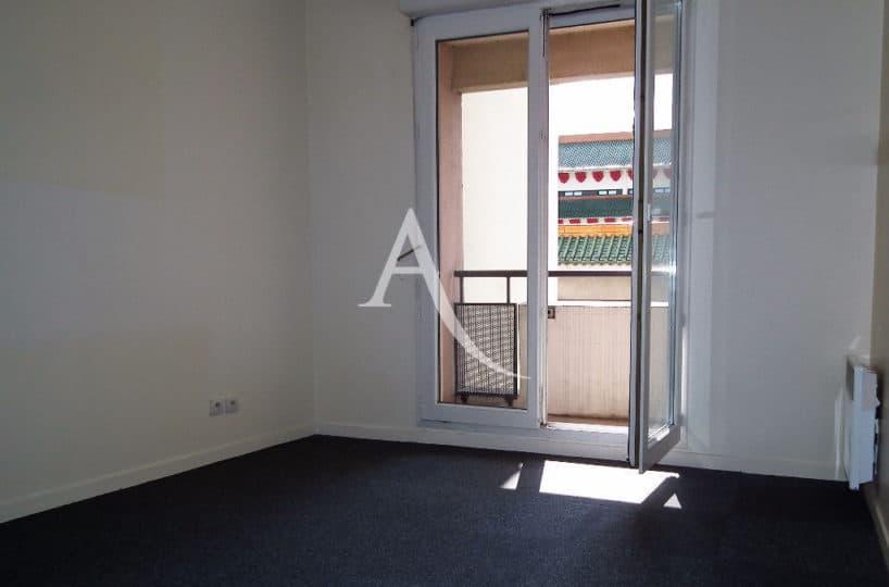 agence alfortville: 2 pièces 39 m², chambre à coucher avec balcon