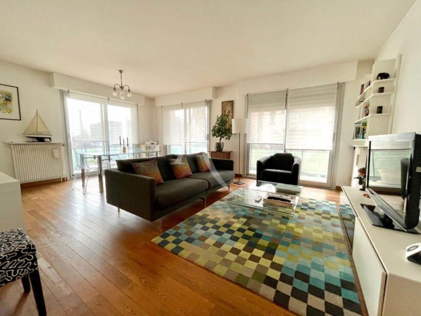 agence immobilière charenton-le-pont: à vendre 4 pièces 81 m², séjour spacieux avec balcon, cave et box