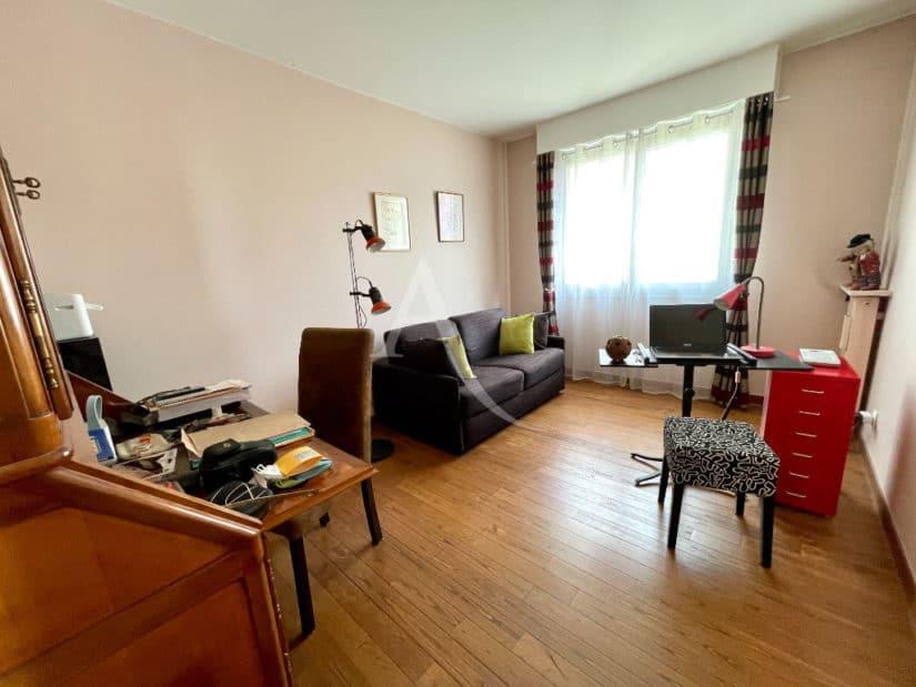 appartement à vendre charenton: 4 pièces 81 m², salon avec parquet au sol