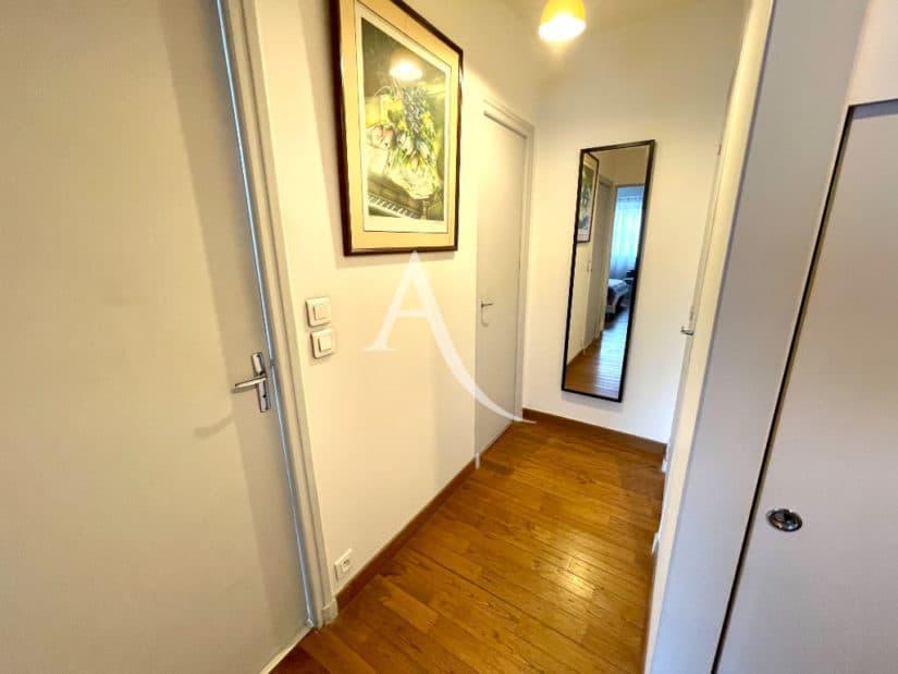 vente appartement charenton: 4 pièces 81 m², entrée avec placard, suspension lustre