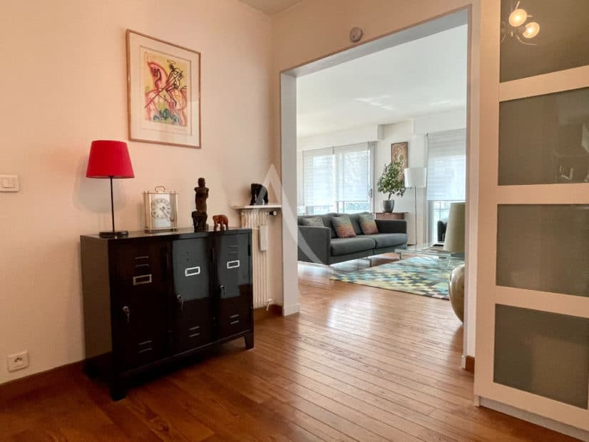 vente appartement 94220: 4 pièces 81 m², salon / séjour séparés, parquet au sol
