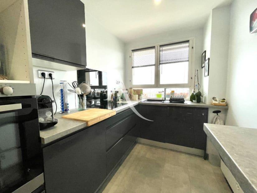 vente appartement maisons-alfort: 3 pièces 60 m², cuisine moderne aménagée et équipée