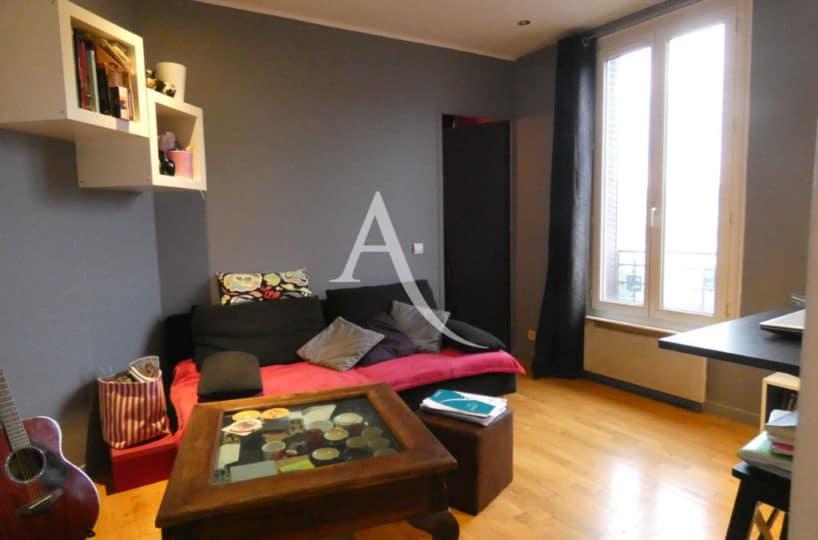 appartement alfortville: 2 pièces 32 m², lumineux salon avec son coin bureau