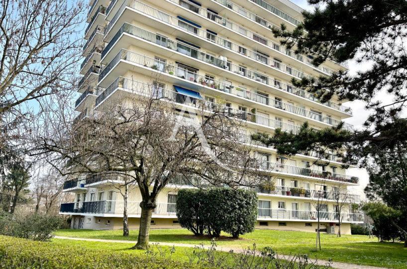 vente studio maisons alfort: 30 m², secteur pavillionnaire, résidence avec gardien, proche métro