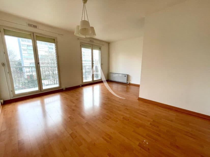 vente studio à maisons alfort: 30 m², belle pièce à vivre avec balcon, vue dégagée