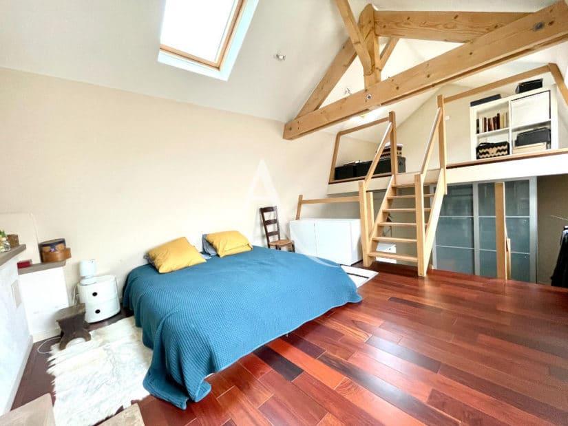 maison maisons alfort: 6 pièces 136 m², chambre à coucher, poutres apparentes, vélux