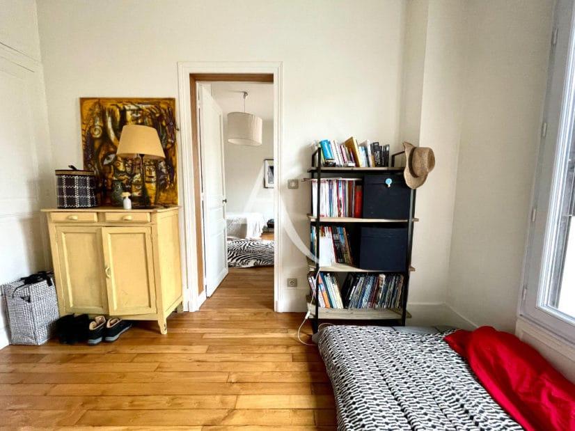 acheter a maisons alfort: 6 pièces 136 m², chambre avec parquet au sol, armoire encastrée