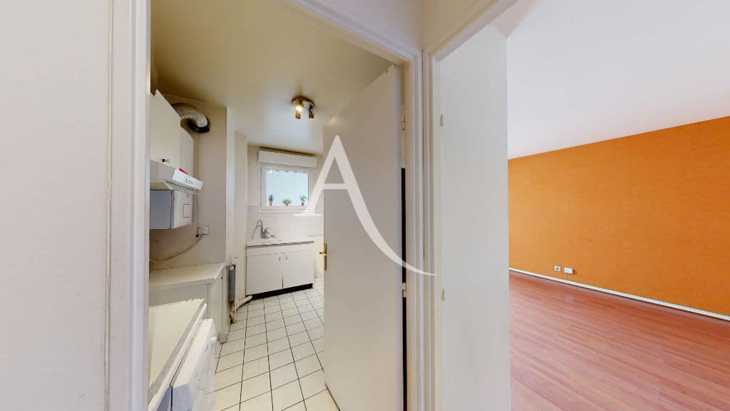 appartement charenton le pont: 3 pièces 62 m², cuisine attenante, branchement lave-linge