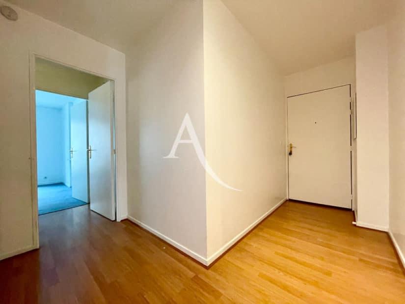 appartement à vendre à charenton-le-pont: 3 pièces 62 m², entrée spacieuse, parquet