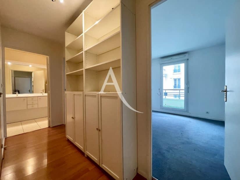 appartement à vendre charenton: 3 pièces 62 m², couloir, meuble haut avec étagères