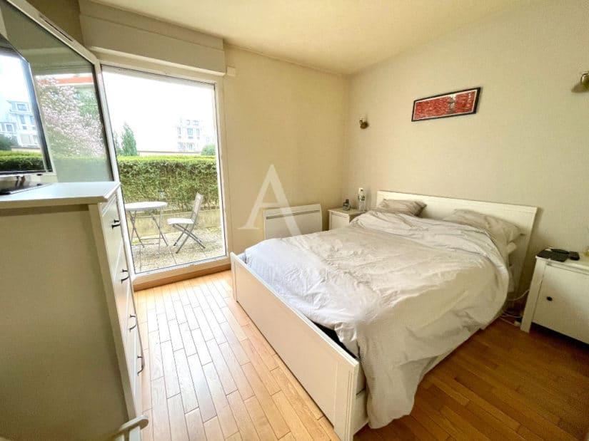 appartement maison alfort: 2 pièces 47 m², chambre à coucher avec accès terrasse