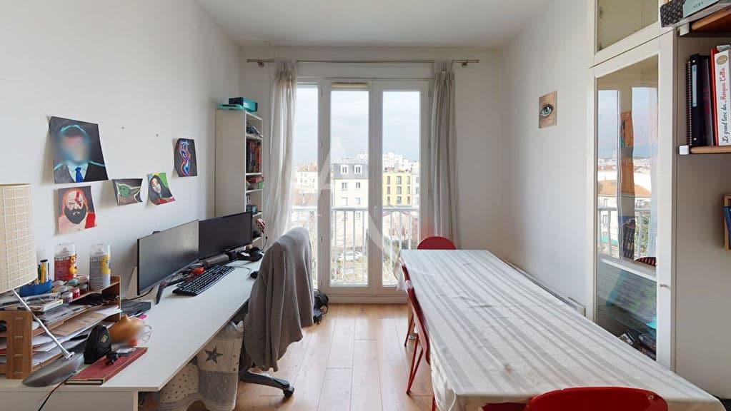 appartement a vendre alfortville: 2 pièces 38 m², séjour avec grand bureau, étagère