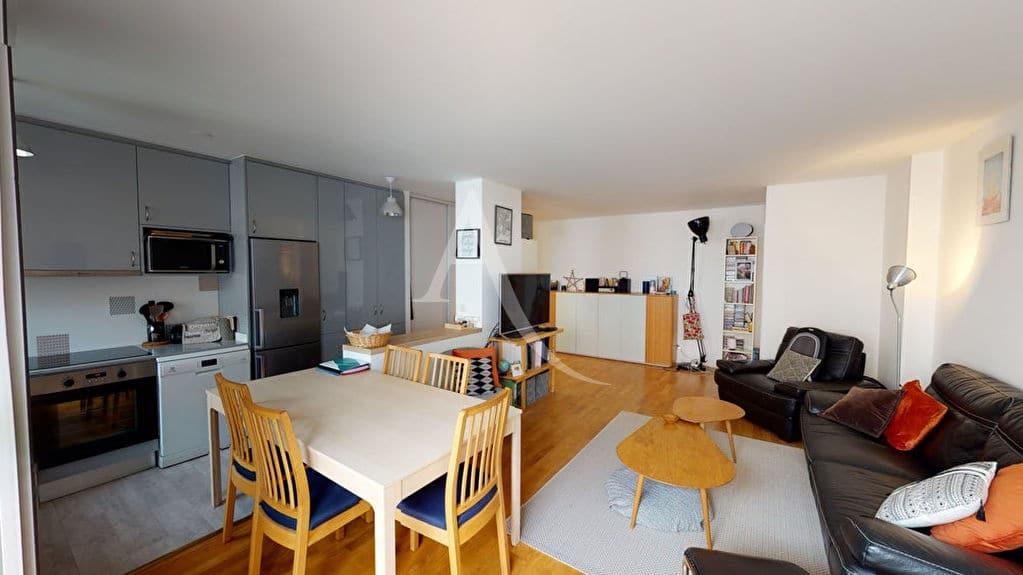 agence immo alfortville: 4 pièces 92 m², séjour avec cuisine ouverte aménagée, coin repas