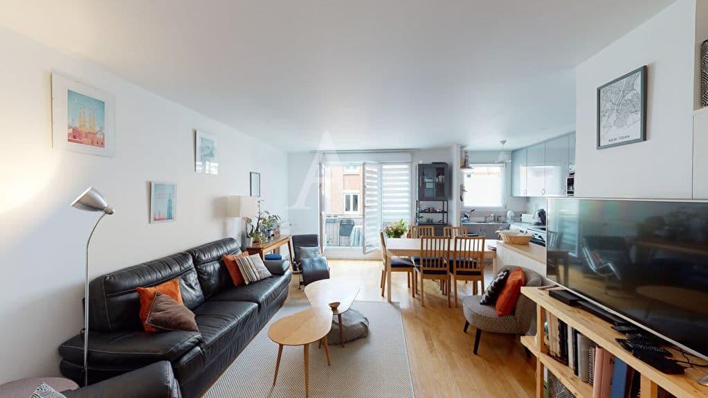 agence immobilière alfortville: 4 pièces 92 m², séjour avec balcon et cuisine ouverte
