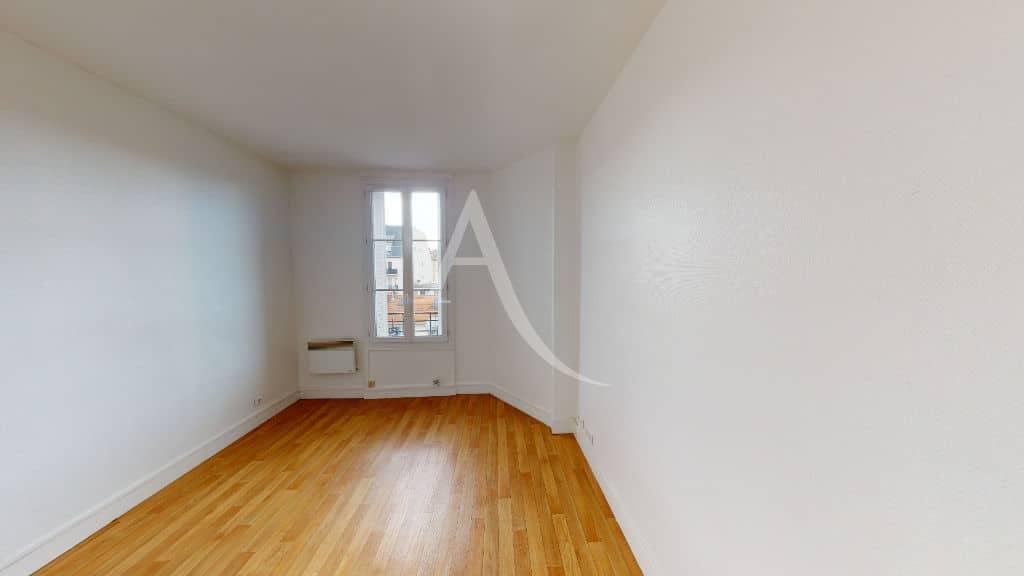 agence de location appartement: 2 pièces 30 m², bien agencé, salon avec parquet au sol, coeur d'alfortville