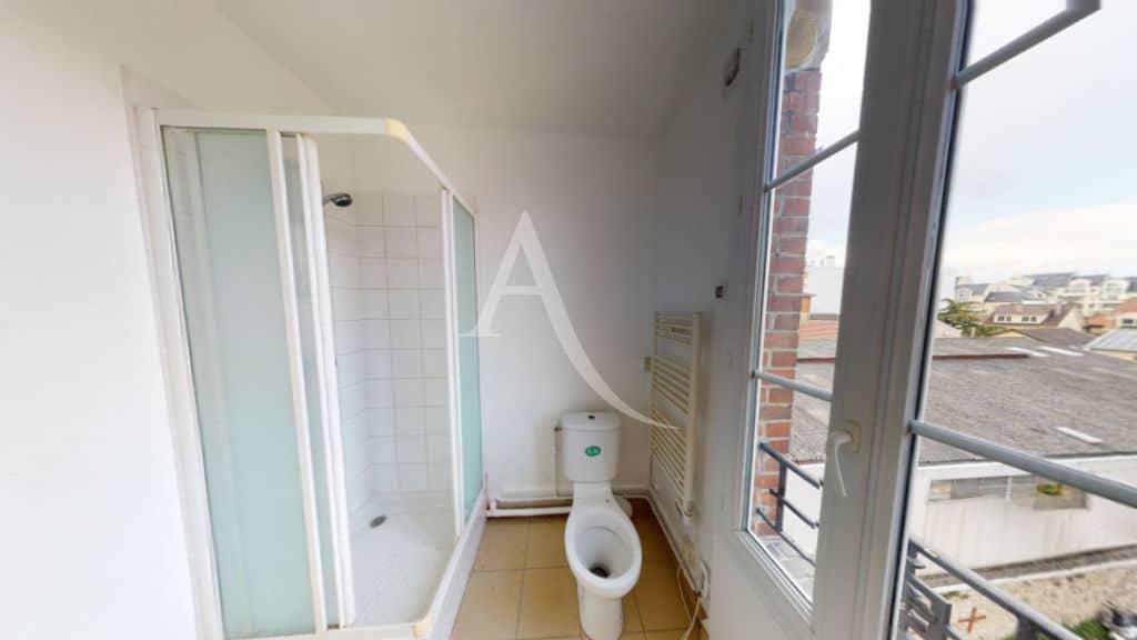 appartement alfortville location: 2 pièces 30 m², salle d'eau avec douche et wc