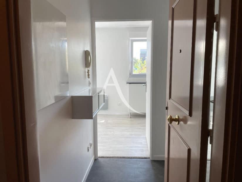 immobilier a louer: studio 25 m², bonne isolation thermique et acoustique
