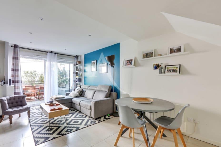 agence alfortville: 3 pièces 71 m², séjour double avec terrasse