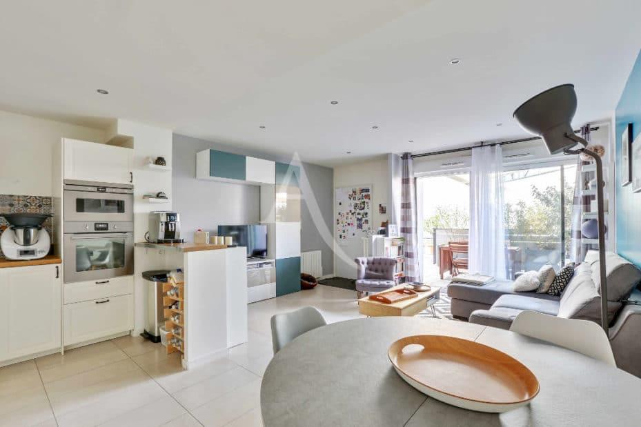 appartement à vendre à alfortville: 3 pièces 71 m², séjour avec cuisine ouverte, terrasse