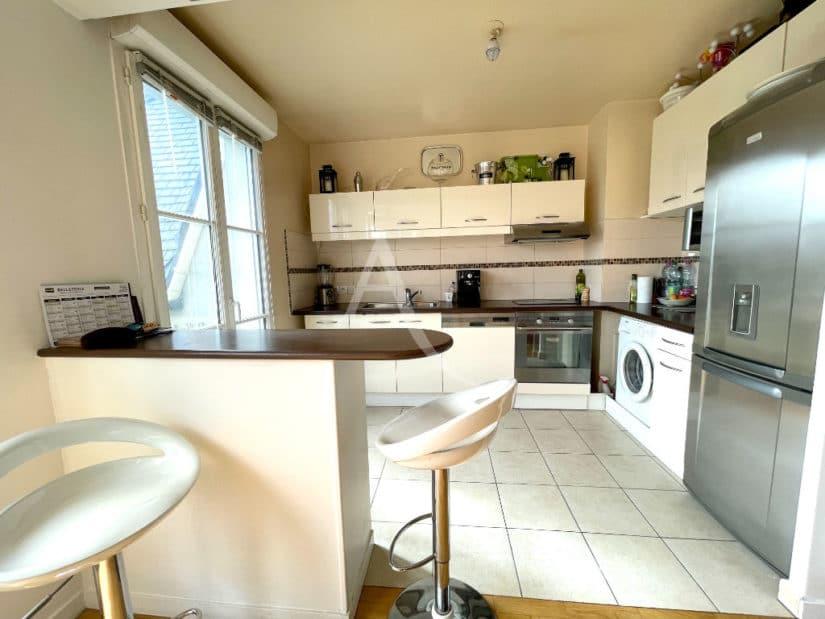immobilier a maisons alfort: 3 pièces 68 m², cuisine américaine aménagée et équipée