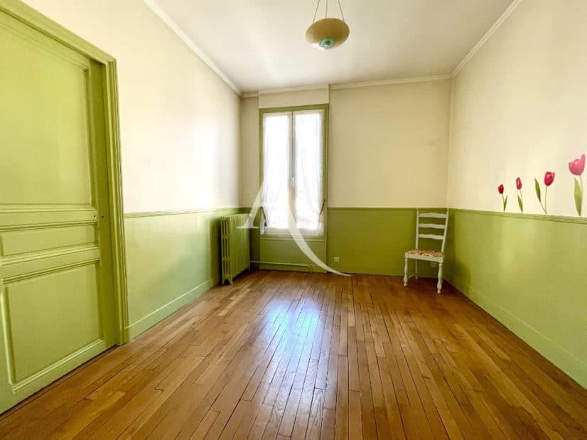estimation maison maisons-alfort: 6 pièces 120 m², 3° chambre avec parquet en chêne