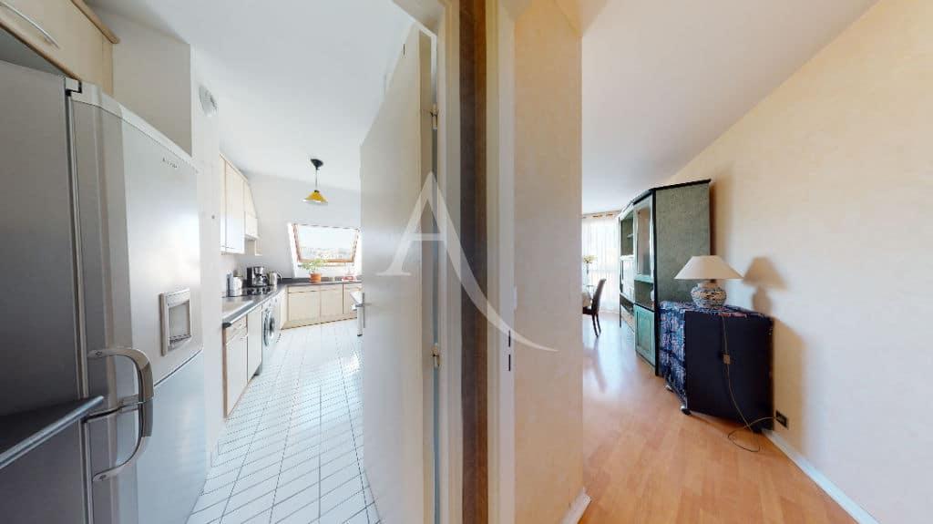 agence immobilière charenton-le-pont: à vendre 3 pièces 76 m², cuisine indépendante, vue dégagée, à 5 minutes du métro