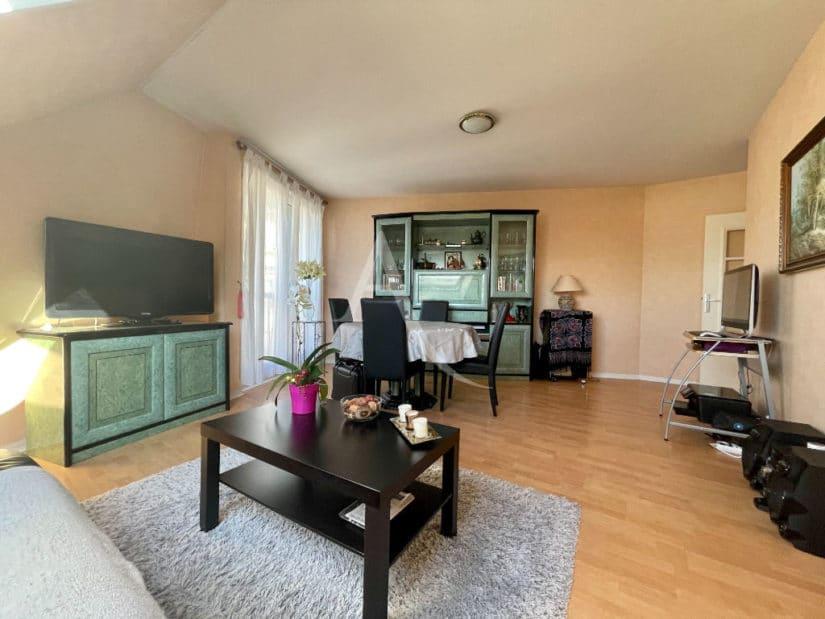 achat appartement charenton le pont: 3 pièces 76 m², beau séjour avec bureau et son repas
