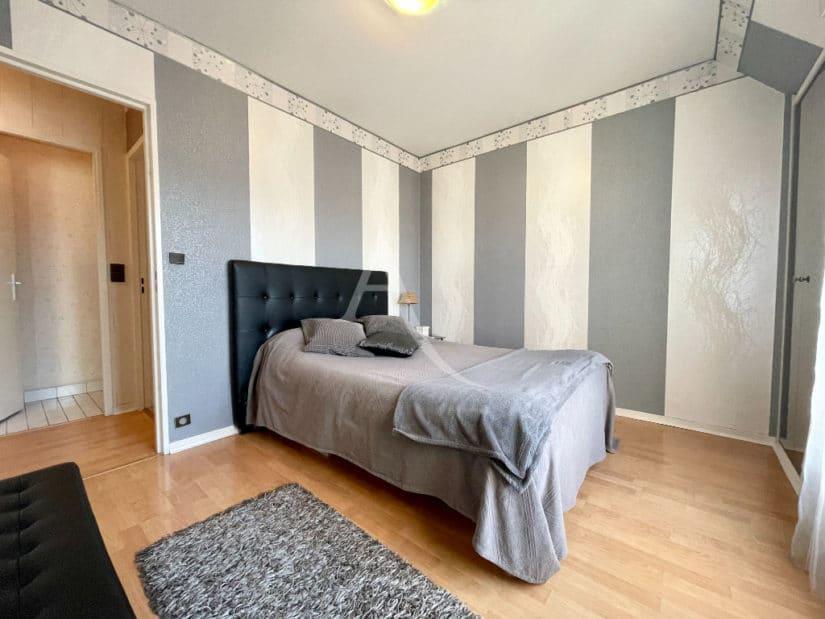 appartement à vendre charenton: 3 pièces 76 m², 2° chambre, lit double, armoire encastrée