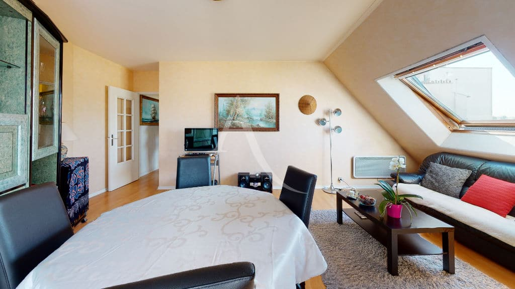 appartement à vendre charenton le pont: 3 pièces 76 m², séjour / salle à manger lumineux