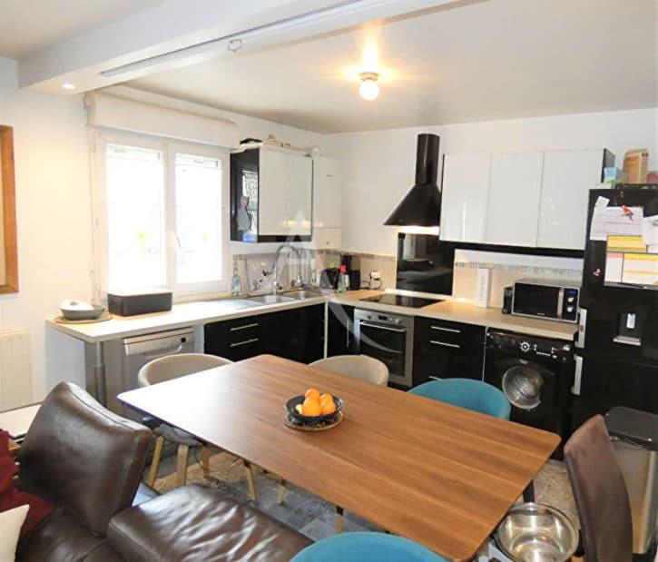 agence alfortville: duplex 3 pièces 64 m², séjour ouvert sur cuisine, rue véron, proche centre ville