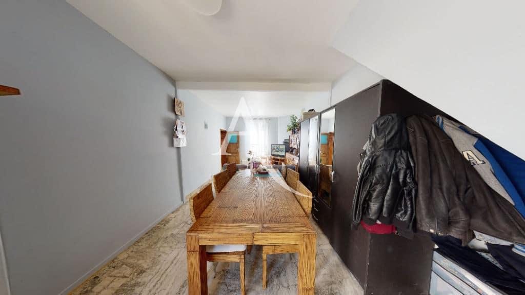 agence immobilière 94: 6 pièces 105 m², double séjour avec grande salle à manger