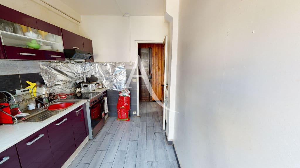 l adresse immobilier: 6 pièces 105 m², cuisine indépendante aménagée