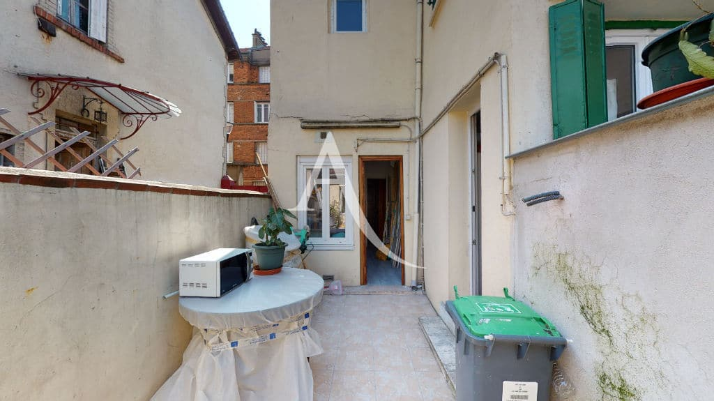 l4adresse: 6 pièces 105 m², cuisine avec accès à une cour intérieure