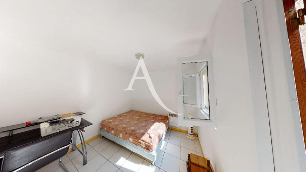 agence d immobilier: 6 pièces 105 m², chambre à coucher, lit double, bureau