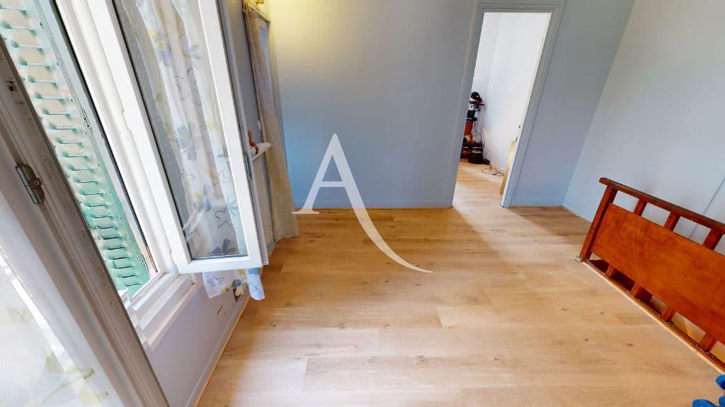 agence immobiliere du val de marne: 6 pièces 105 m², couloir du 2° étage