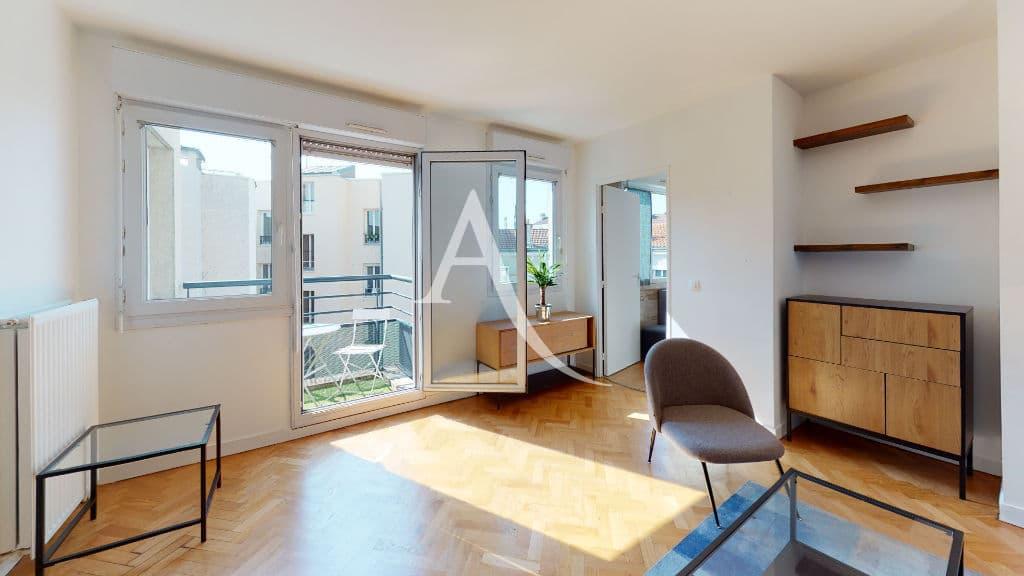 appartement a louer alfortville: 2 pièces 50 m², séjour lumineux avec balcon