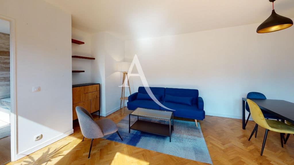 alfortville appartement location: 2 pièces 50 m², séjour meubllé, canapé, commode