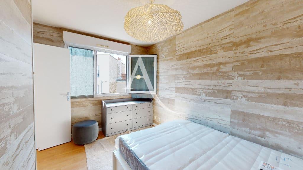 appartement alfortville: 2 pièces 50 m², chambre à coucher, lit double, commode
