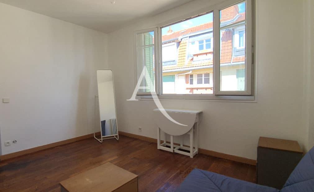 vente studio à alfortville: 21 m², belle pièce à vie avec parquet au sol