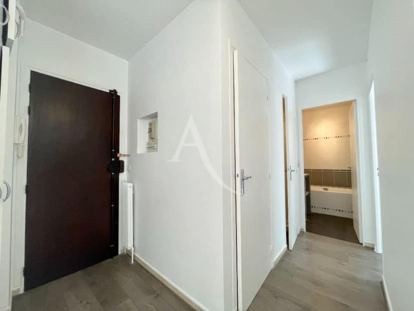 appartement à vendre à charenton le pont: 2 pièces 43 m², entrée avec porte sécurisée