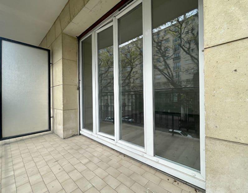 vente appartement 94220: 2 pièces 43 m², grand balcon de 7 m², exposition sud